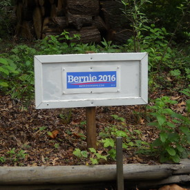 Bernie Sanders yardsign at house