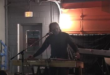 Folksinger live at the Soundry